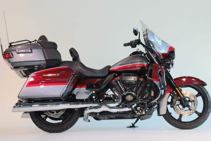 Harley-Davidson CVO FLHKSE ELECTRA GLIDE ULTRA LIMITED