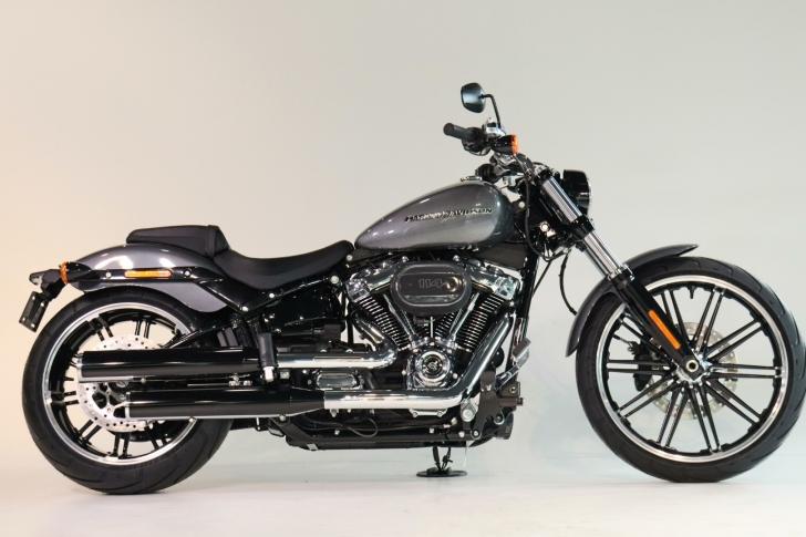 Harley-Davidson SOFTAIL FXBRS BREAKOUT 114