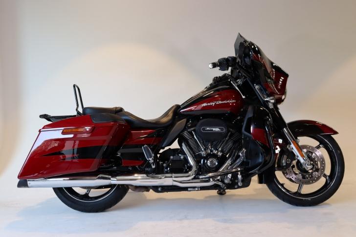 Harley-Davidson CVO FLHXSE STREET GLIDE