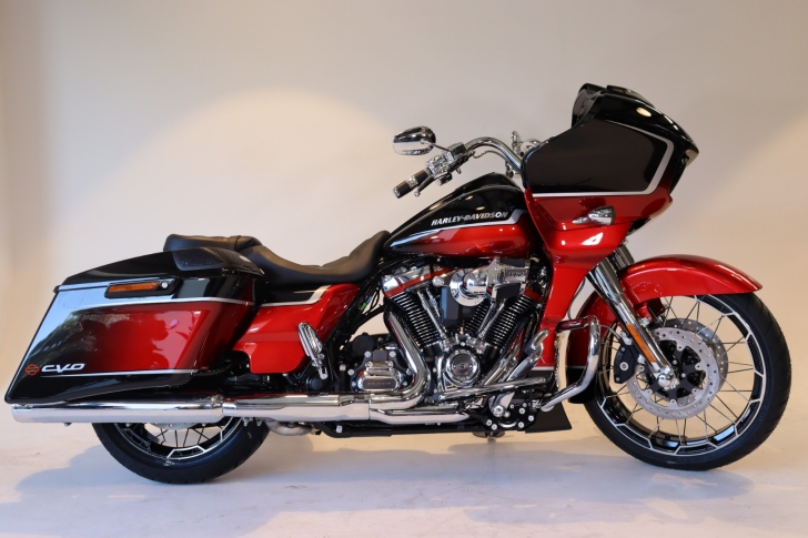 Harley-Davidson CVO FLTRXSE ROAD GLIDE