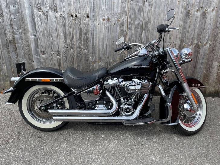 Harley-Davidson SOFTAIL FLDE DELUXE