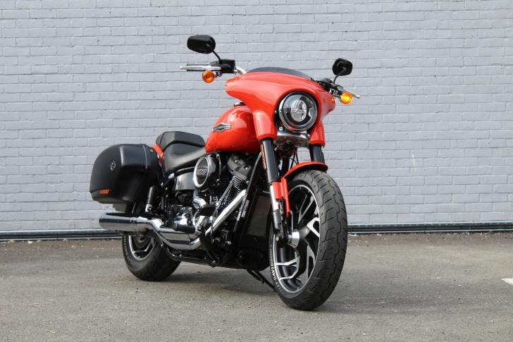 Harley-Davidson SOFTAIL FLSB SPORT GLIDE